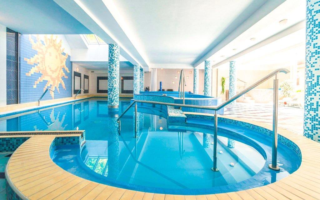Trenčianske Teplice ve Vile Anna **** se vstupem do bazénu Grand a polopenzí