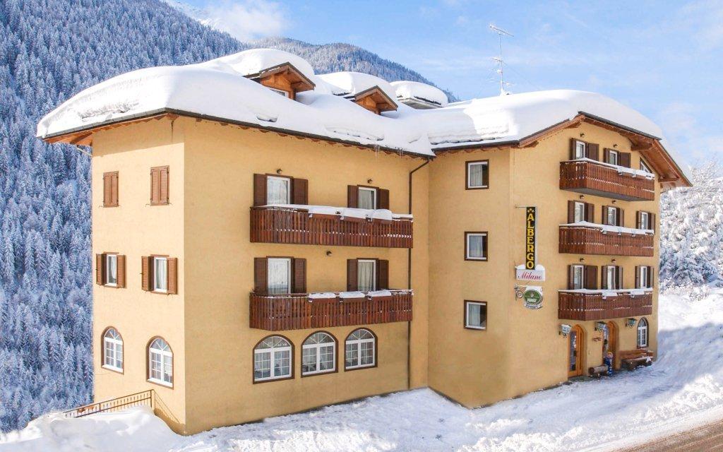 Italské Alpy: 4 dny v Hotelu Milano Vermiglio *** s polopenzí a hned u skibusu
