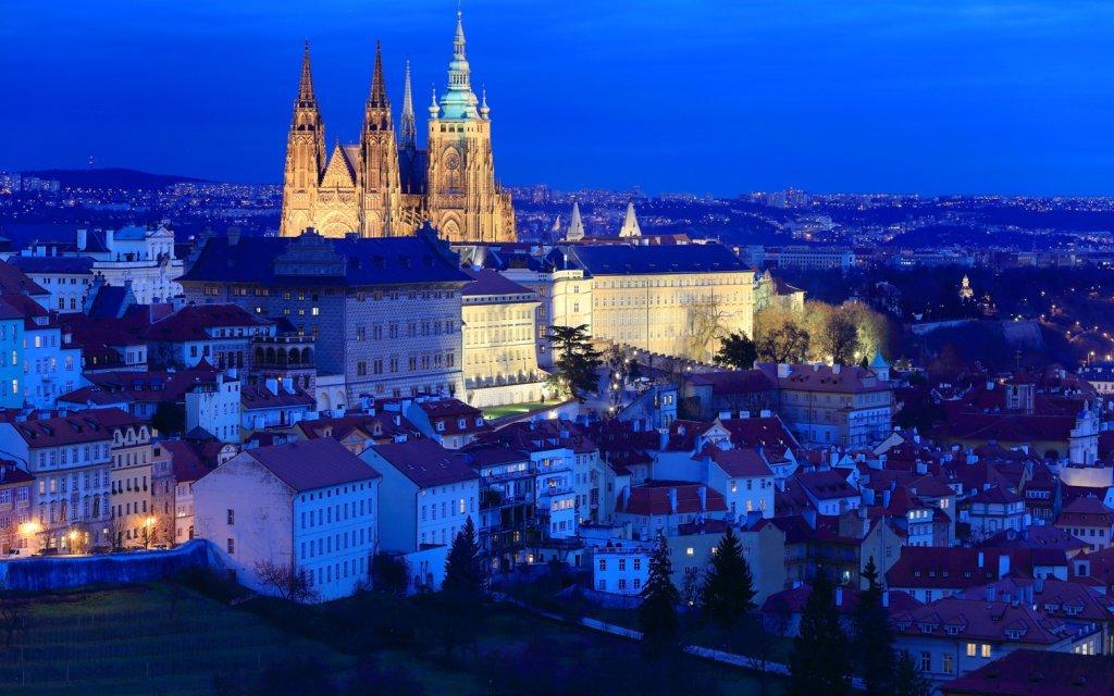 Praha v Hotelu Popelka **** se snídaní a romantickou večeří blízko metra