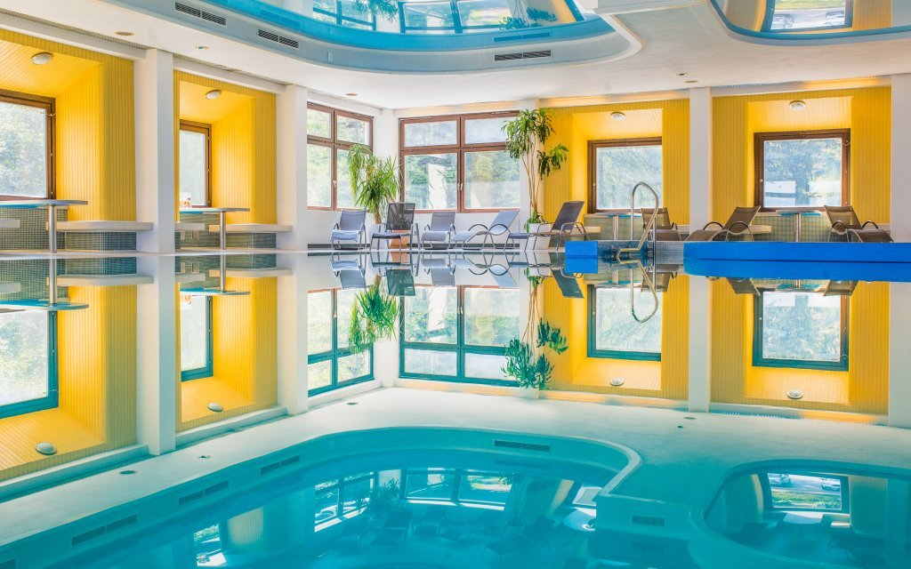 Vídeňské Alpy ve Sporthotelu am Semmering *** s polopenzí a bazénem i saunou