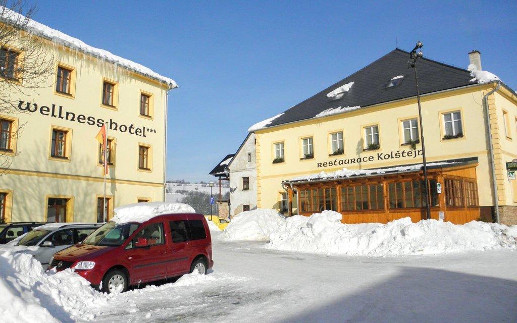 Jeseníky: Hotel Garni Kolštejn *** u ski areálu + wellness, bazén, polopenze