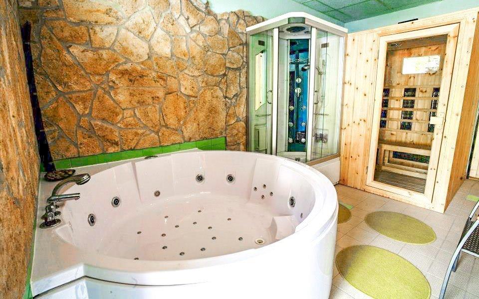 Beskydy u ski areálu v Apartmánech Celnica s polopenzí, wellness a řadou výhod