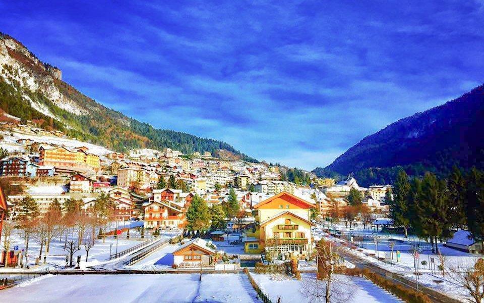 Dolomity: Hotel Du Lac Vital Mountain *** s polopenzí u ski areálu na 4 dny