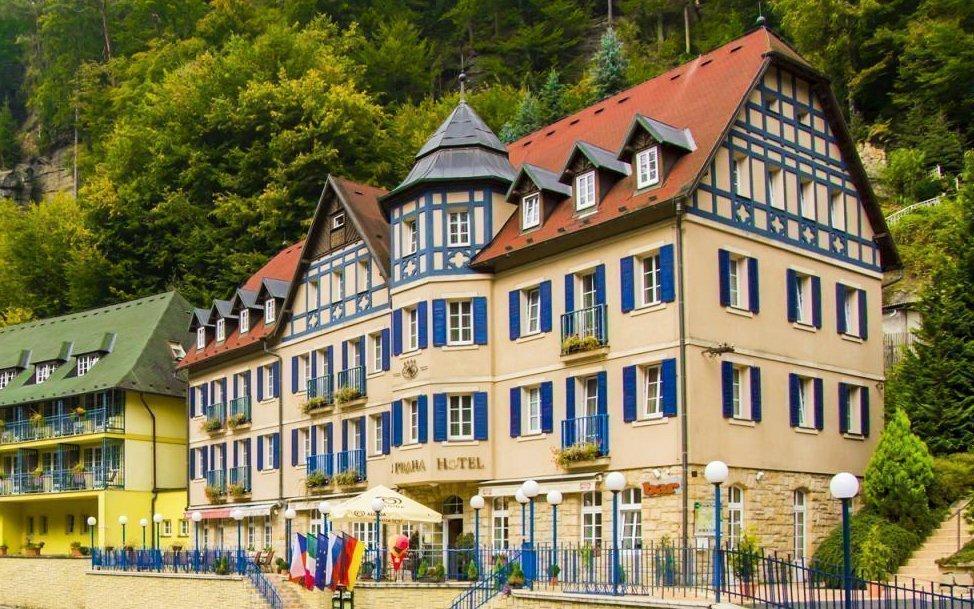 České Švýcarsko: Hřensko v Hotelu Praha **** s polopenzí a degustací vín